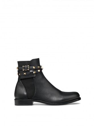 VALENTINO GARAVANI ROCKSTUD GRAINY CALFSKIN LEATHER ANKLE BOOT  1192587